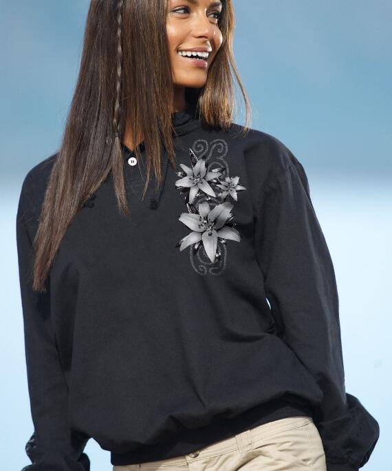 Long-Sleeve Lilies Black Lightweight Pullover