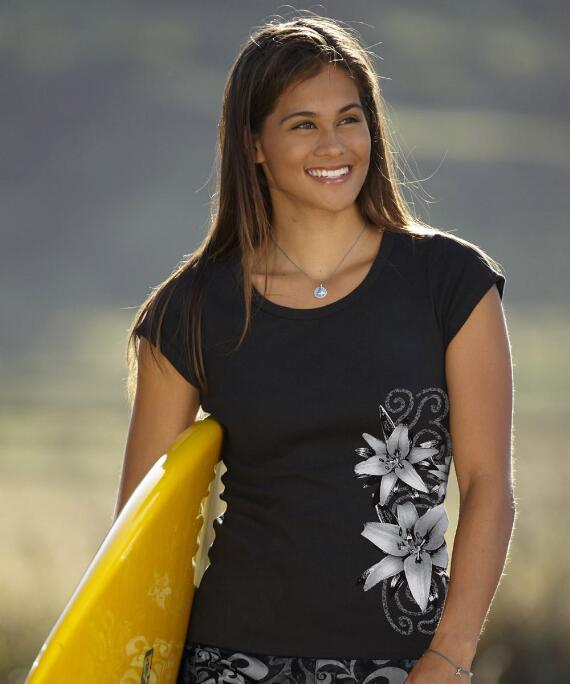 Short-Sleeve Lilies Black Rib Knit T-shirt