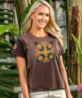 Short-Sleeve Aloha Quilt Pineapple Chocolate Scoop Neck